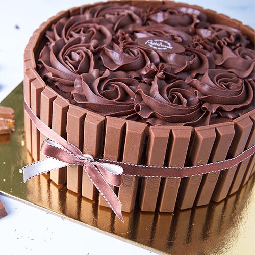 Kitkat Fudge Cake   Buy Cakes in Dubai UAE   Gifts