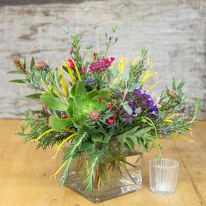 Tribulus (National Flower) Bouquet | Buy Flowers in Dubai UAE | Gifts