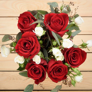 Dearest Love | Buy Flowers in Dubai UAE | Gifts