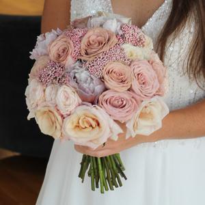 True Romance Bridal Bouquet | Buy Bridal Bouquets in Dubai UAE | Wedding flowers
