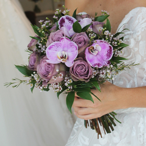 Lovestruck Hand-tied Bridal Bouquet   Buy Bridal Bouquets in Dubai UAE   Wedding flowers