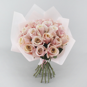 Pink & Pearl Flower Bouquet   Buy Flowers in Dubai UAE   Gifts
