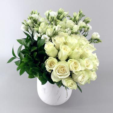 Spotlights Flower Arrangements | Buy Flowers in Dubai UAE | Gifts