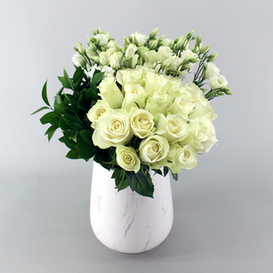 Spotlights Flower Arrangements   Buy Flowers in Dubai UAE   Gifts