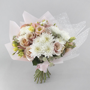 Delicate Love | Buy Flowers in Dubai UAE | Gifts