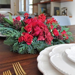 Red Christmas Flower Centerpiece | Buy Christmas Flower Collection in Dubai UAE | Gifts