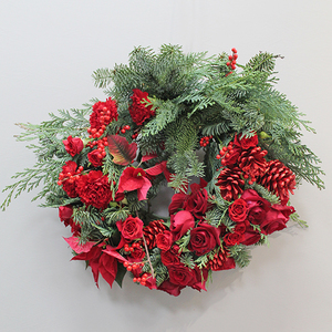 Red Christmas Flower Wreath | Buy Christmas Flower Collection in Dubai UAE | Gifts