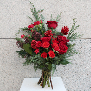 Red Christmas Flower Bouquet | Buy Christmas Flower Collection in Dubai UAE | Gifts