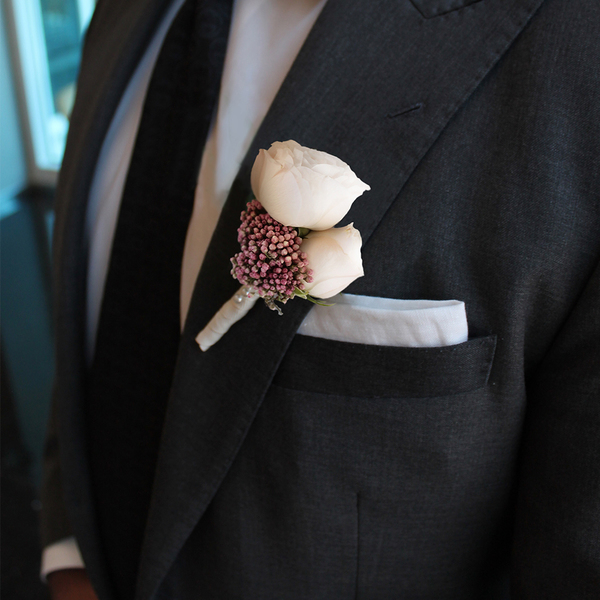 Adore Boutonniere | Buy Bridal Bouquets in Dubai UAE | Wedding flowers