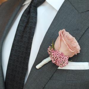 True Romance Boutonniere | Buy Bridal Bouquets in Dubai UAE | Wedding flowers