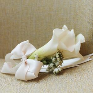 Pure Love Corsage | Buy Bridal Bouquets in Dubai UAE | Wedding flowers