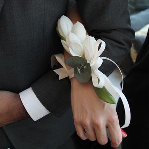 Loyal Love Corsage   Buy Bridal Bouquets in Dubai UAE   Wedding flowers