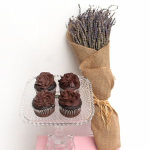 Long lasting | Lavender Feel (Dried) | Chocolate Package | Buy Flowers in Dubai UAE | Gifts