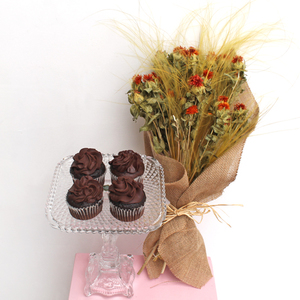 Long Lasting | Fabulous Stypha (Dried) | Chocolate Package | Buy Flowers in Dubai UAE | Gifts