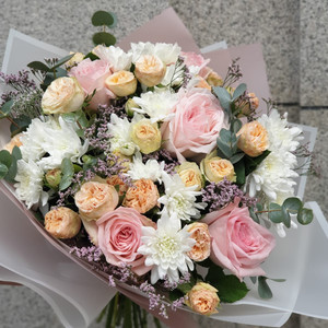 White Waterfall Flower Bouquet | Buy Flowers in Dubai UAE | Gifts